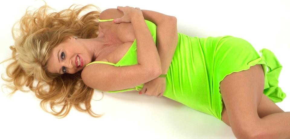 Kim Holland, de Nederlandse neukmilf