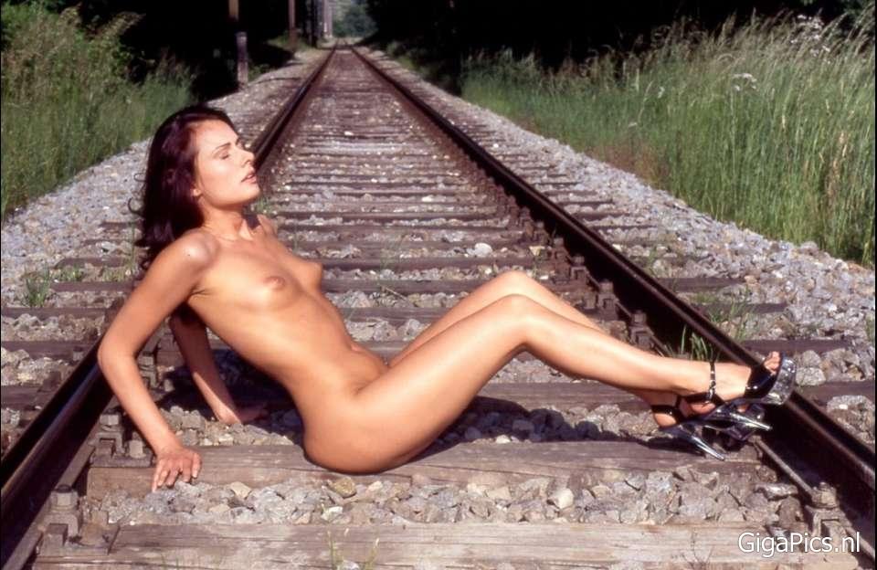 Zelfmoord in haar nakie