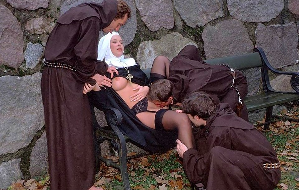 Zuster, ik zal U mijn kruis laten zegenen!